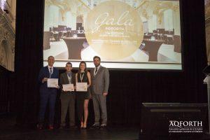 Quelques finalistes en hôtellerie; Renato Yavar, Frédrick-Anthony Ghali et Justine Nadeau, accompagnés de Jérôme Forget, président de l'AQFORTH