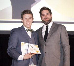 Le gagnant du Grand Prix de l'Excellence, David Giroux, et le président de l'AQFORTH, Jérôme Forget